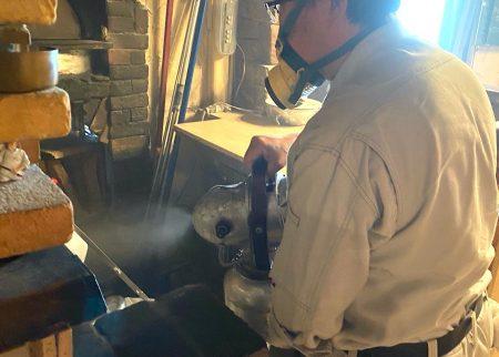 ULV機による水性乳剤の空間噴霧処理施工