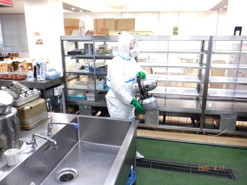 ULV機による消毒剤の全面噴霧処理