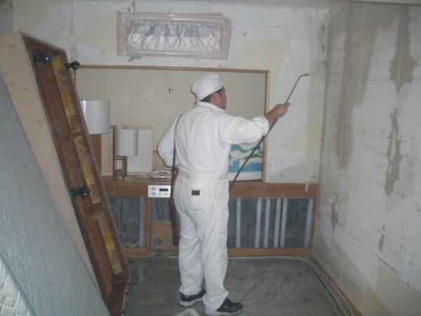 室内壁面全域への薬剤噴霧