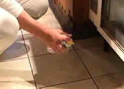 点検調査の結果に基づきゴキブリ駆除用ベイト剤などを使用して適宜防除を実施します。